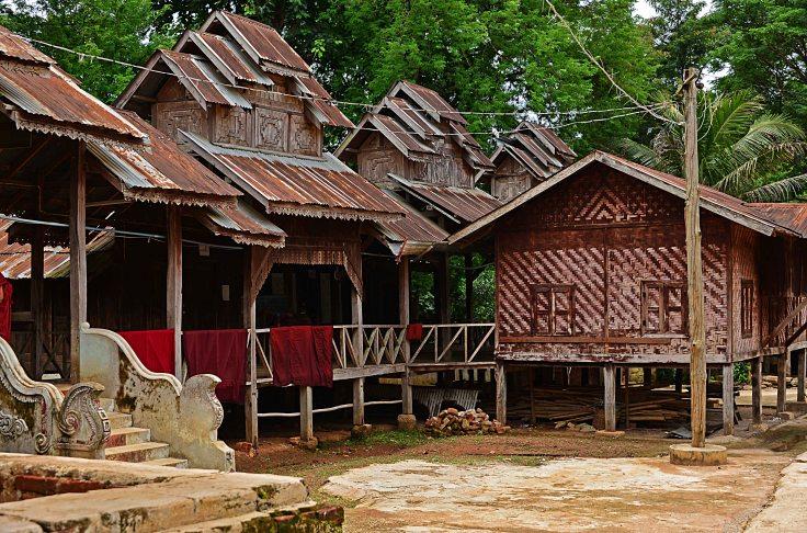 Burma, Hsipaw, monastery