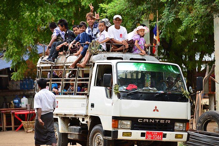 bagan, temples, burma, myanmar, pick-ups