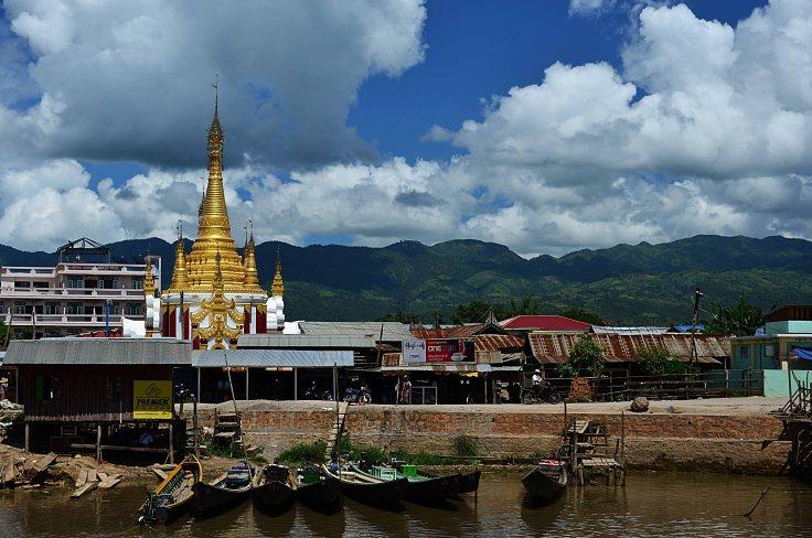 Shan, Burma, Myanmar, Inle Lake, temple