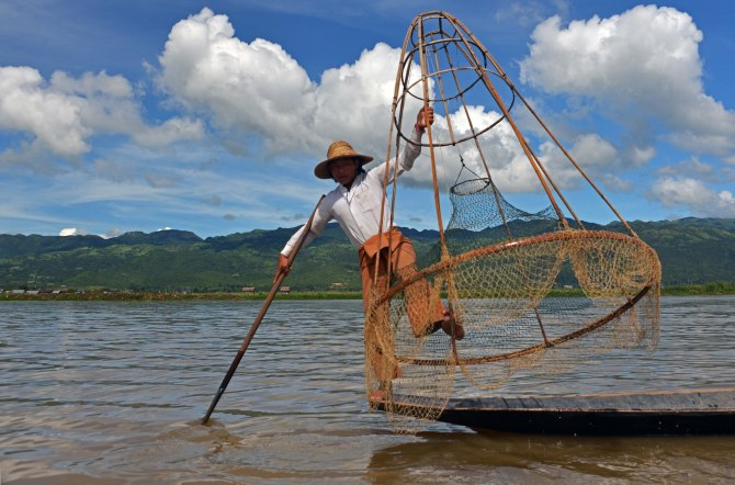 Shan, Burma, Myanmar, Inle Lake, fisherman