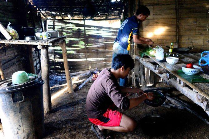 Lahu Village, cooking, Luang Namtha, Laos, trekking