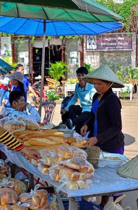 Savannakhet, Laos, markets