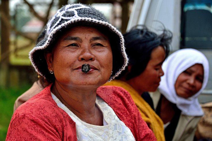 Pakse, Bolaven Plateau, Laos, lady