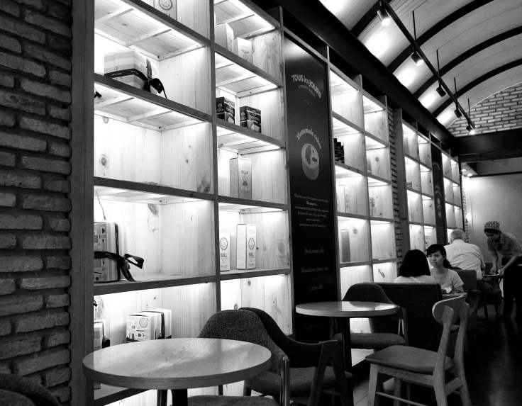 Saigon, Vietnam, Tous le Jours cafe