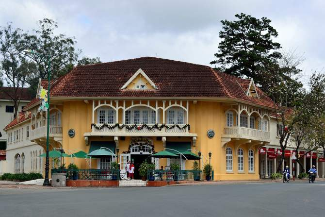 Cafe de la Poste, Dalat, Vietnam