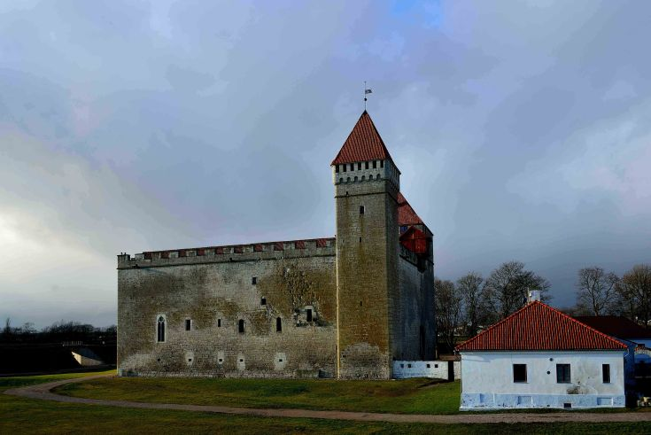 Baltic sea ice, Kuressaare, Saaremaa Island, Estonia, The Baltics, Europe, Episcopal Castle