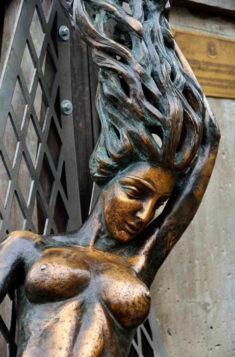 Bronze mermaid sculpture Klaipėda