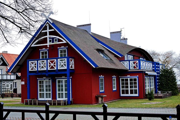 Nida thatched house Curonian Spit, Lithuania, Baltic States, Europe
