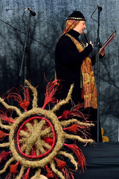 Vilnius: Kaziukas Fair traditional dress, Lithuania, Baltic States, Europe