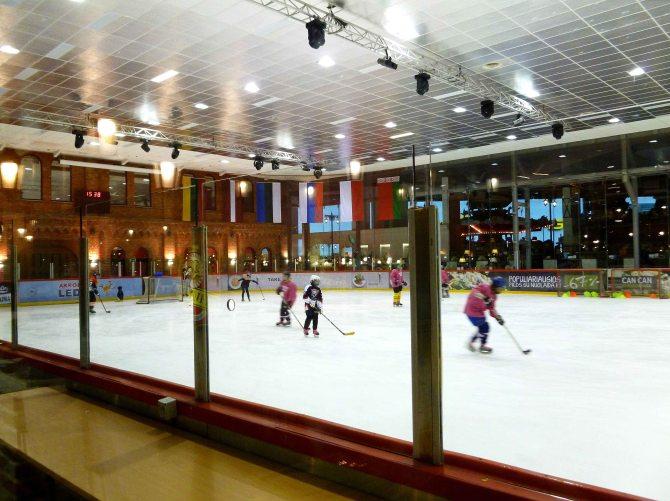 Acropolis supermarket indoor ice rink Klaipėda