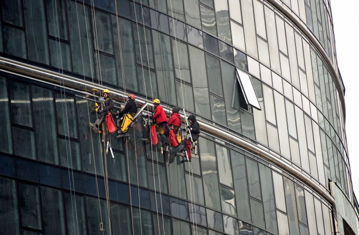 high-rise window cleaners Warsaw