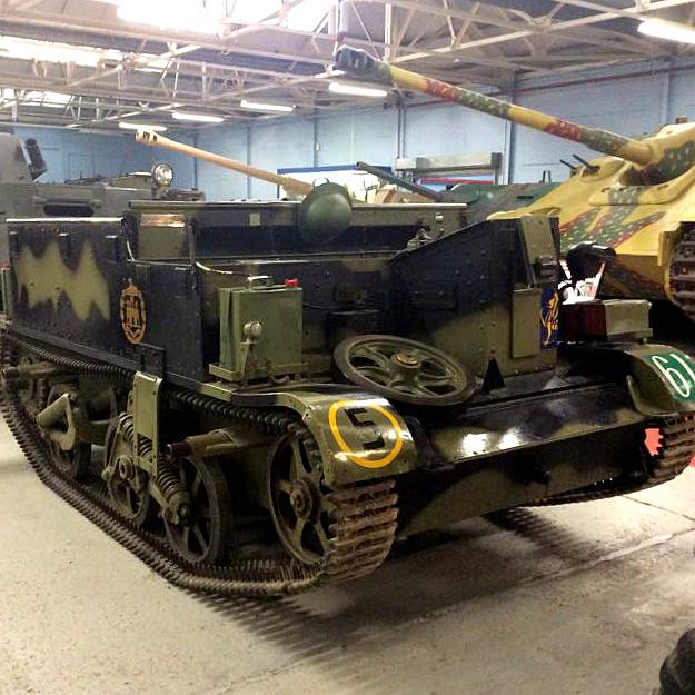 tank, bren gun carrier, bovington, england
