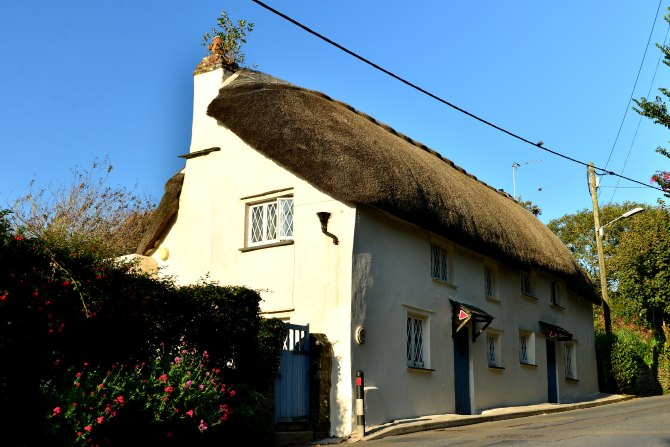thatched house, england, Poughill