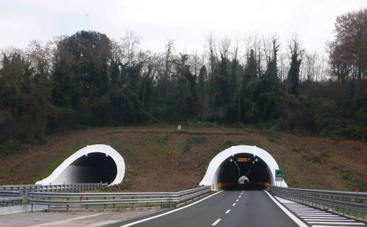 tunnels, Italy, GPS, motorhome, camping