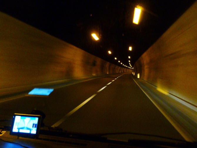 Italy, tunnels, motorhome, camping. GPS