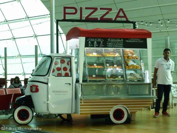 Sydney Airport, Australia, pizza