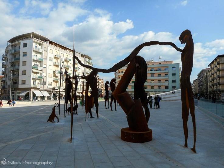 Giuseppe Gallo sculpture, Piazza Bilotti, Cosenza, Calabria, Italy