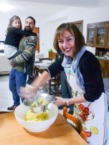 Cuddrurieddri, food, Calabria, Italy