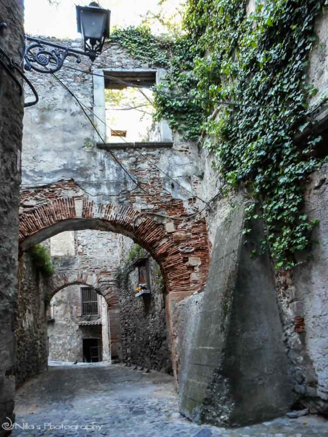 arches, Old Town, Cosenza, Calabria, Italy