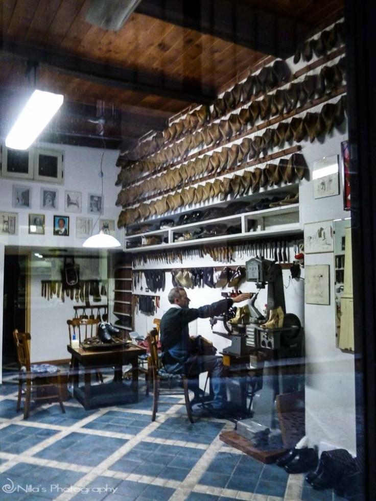 Cobbler, Old Town, Cosenza, Calabria, Italy, Europe