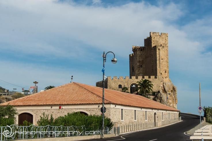 Castle, Roseto Capo Spulico, Calabria, Italy, Europe