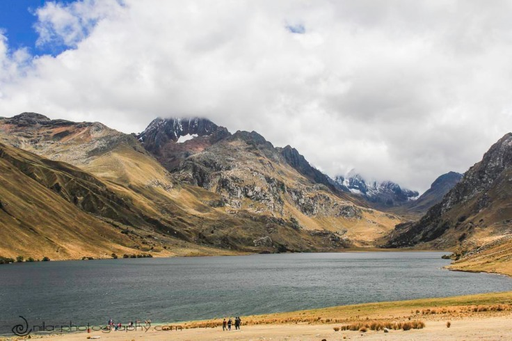Lake Querococha, Huascarán National Park, Huaraz, Peru, South America