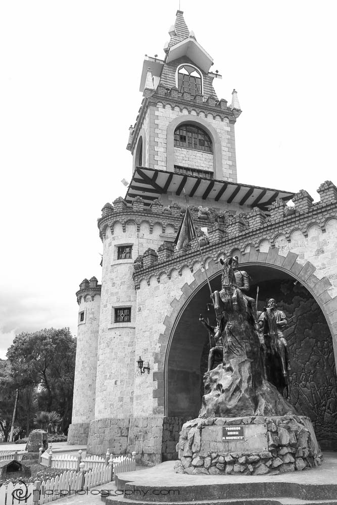 Monumento a Juan Salinas de Loyola, Loja, Ecuador, South America