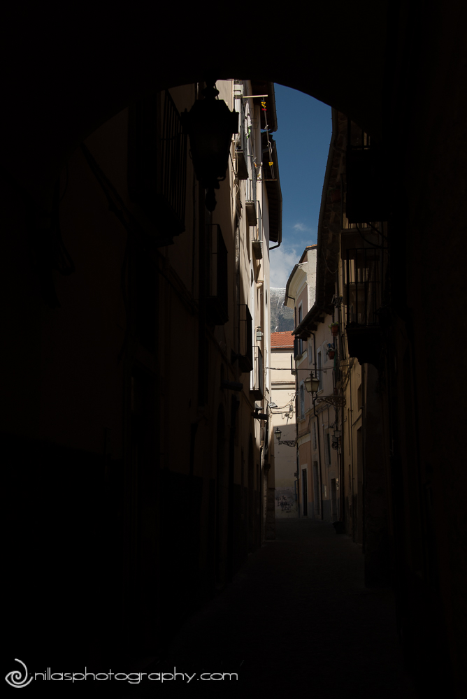 Alleyway street scene, Sulmona, Abruzzo, Italy, Europe