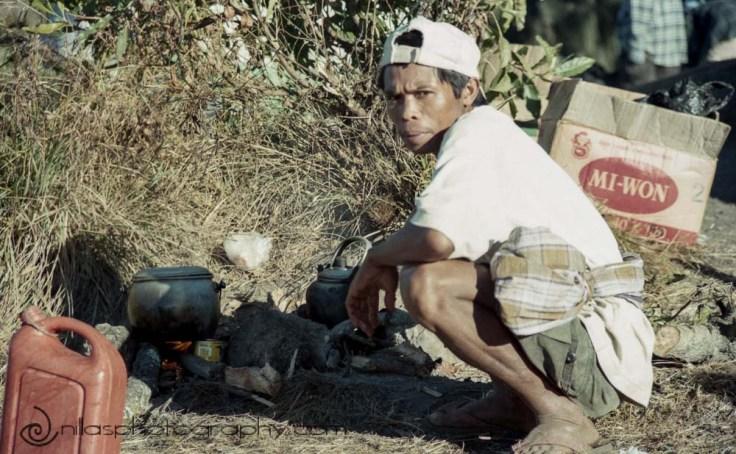 porter, Gunung Rinjani, Lombok, Indonesia, South East Asia