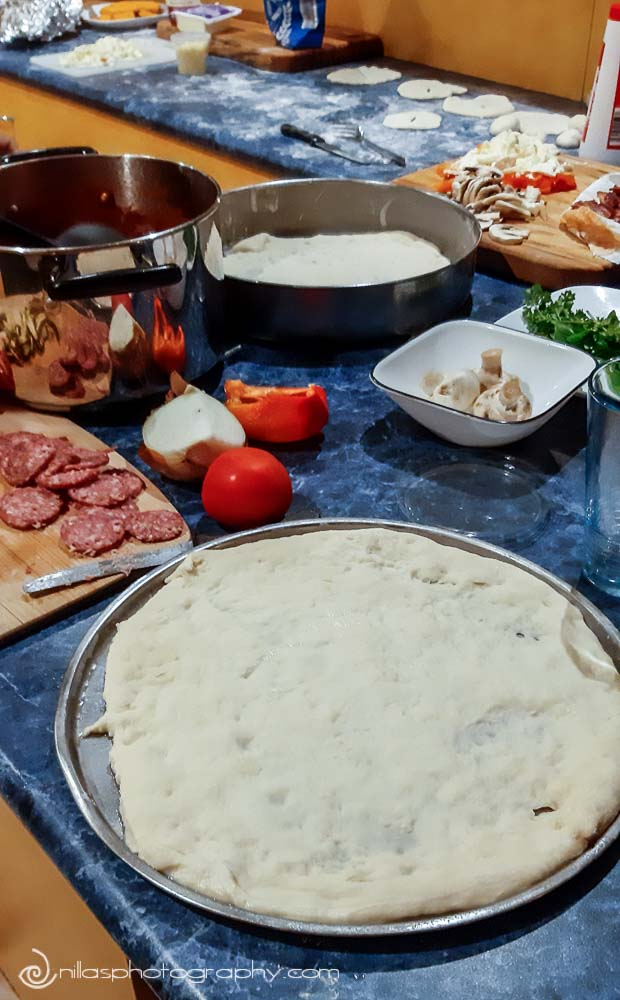 pizza making, prosecco